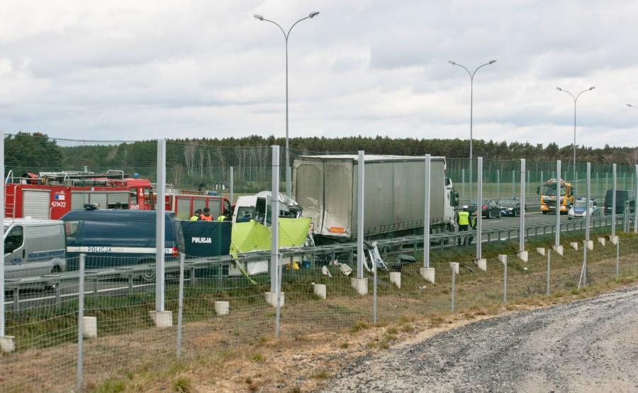 Wypadek na drodze ekspresowej S3 w kierunku Świebodzina