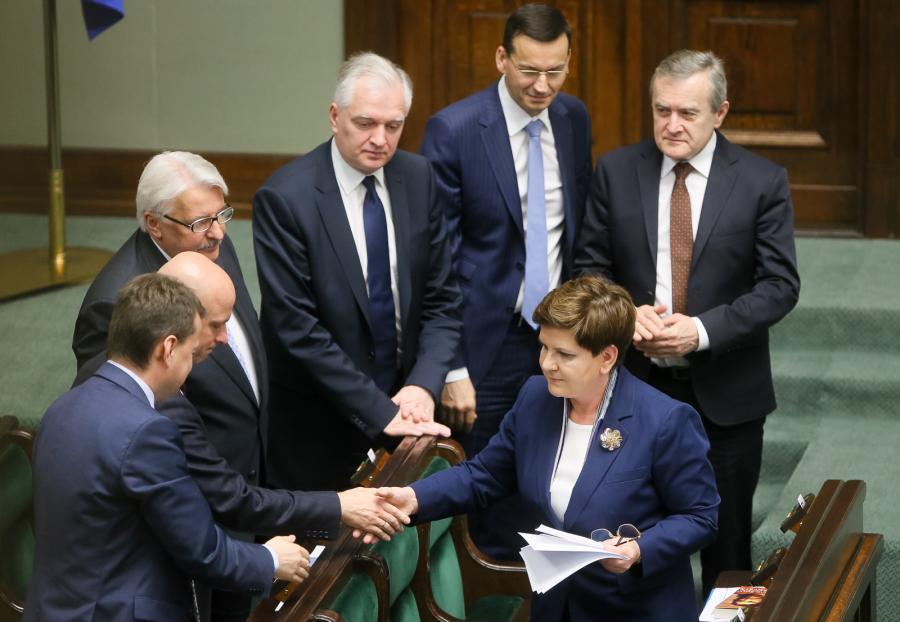 Premier Beata Szydło z ministrami swego rządu