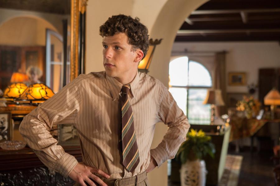 Jesse Eisenberg całkiem jak młody Woody Allen