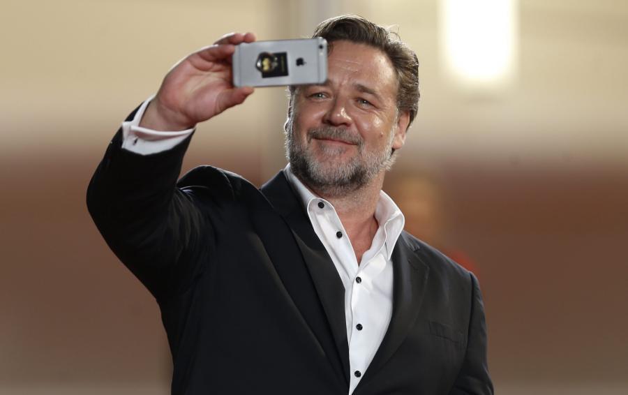 Russell Crowe też robił zdjęcia na pamiątkę...