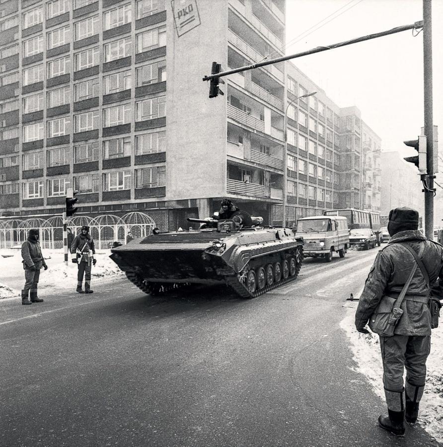 """""""Warszawa lata 80."""" - wydawnictwo BOSZ i Narodowe Archiwum Cyfrowe"""