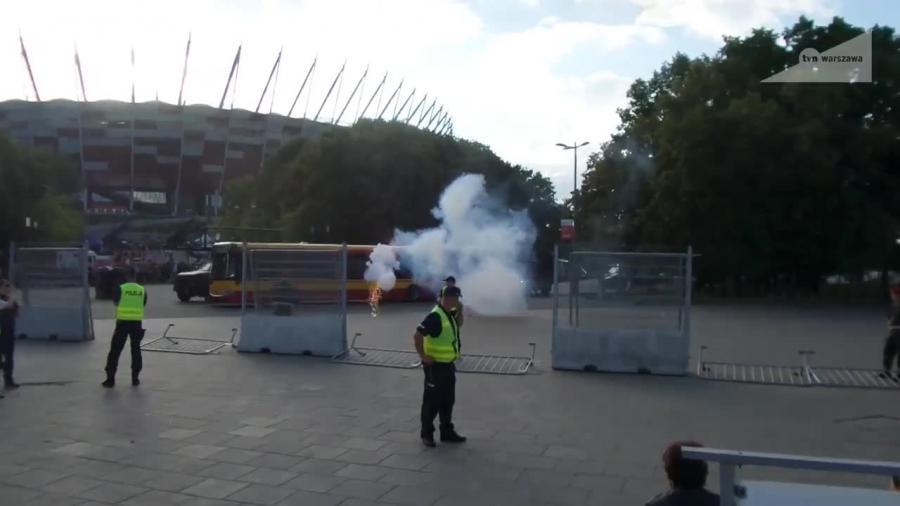 Śmigłowiec i komandosi GROM w akcji pod Stadionem Narodowym. Służby cały czas ćwiczą przed szczytem NATO