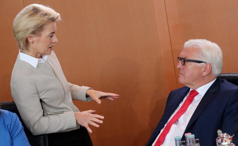 Minister obrony Niemiec Ursula von der Leyen i niemiecki minister spraw zagranicznych Frank-Walter Steinmeier