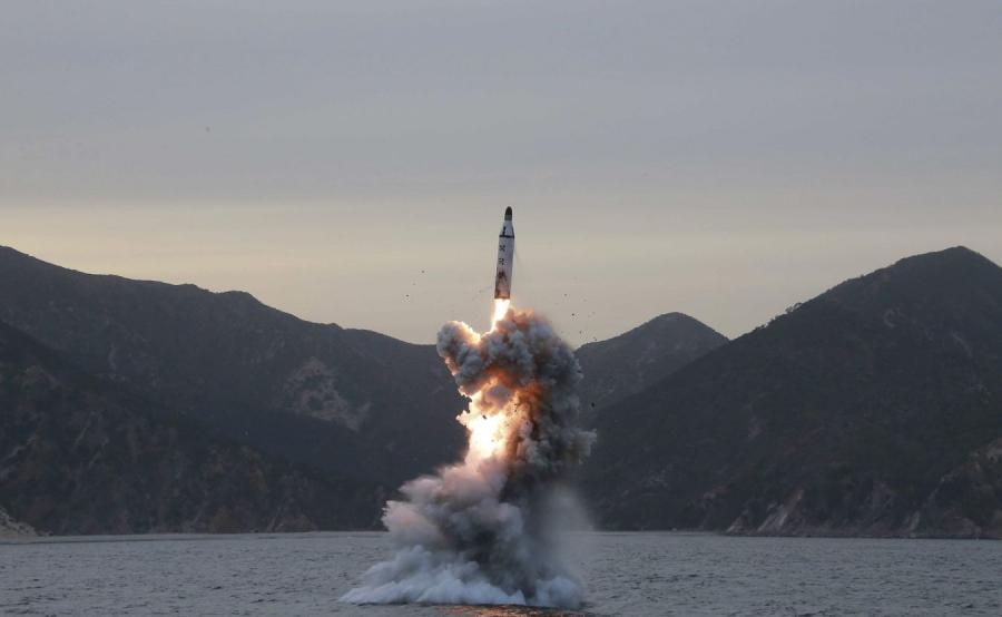 Wystrzelenie pocisku balistycznego z północnokoreańskiego okrętu podwodnego