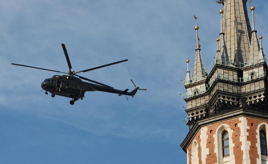 Helikopter nad Krakowem