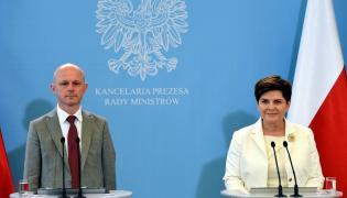 Premier Beata Szydło i minister finanasów Paweł Szałamacha