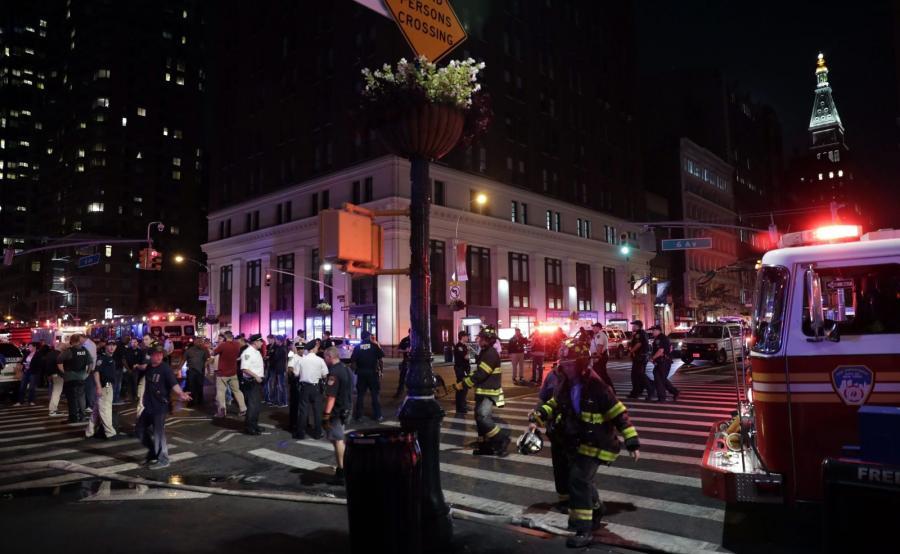 Policja i straż pożarna na miejscu ekspolozji
