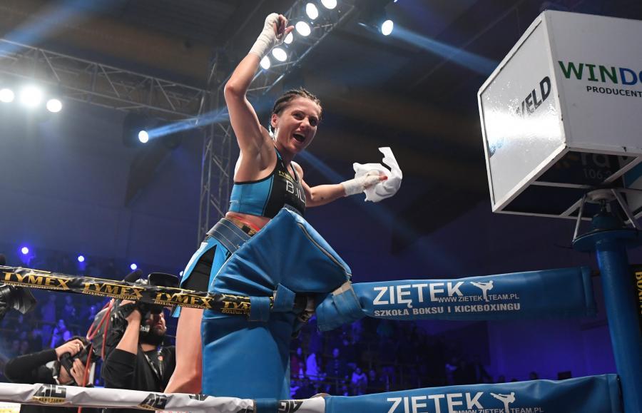 Ewa Brodnicka podczas walki o pas Mistrzyni Europy organizacji EBU