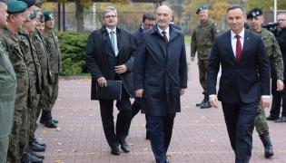 Prezydent Andrzej Duda i szef MON Antoni Macierewicz