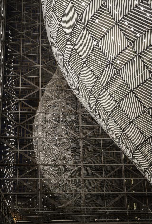 UE ma nową, futurystyczną siedzibę. Budowa kosztowała ponad 320 mln euro. GALERIA