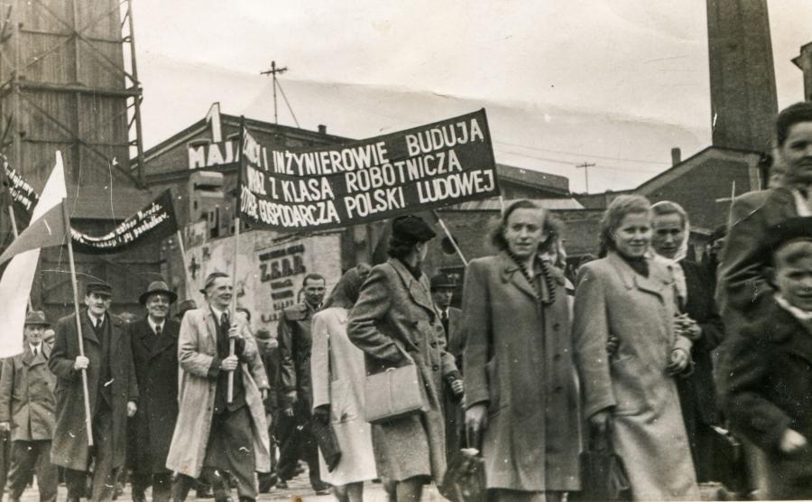 Pochód z okazji Święta 1 Maja w komunistycznej Polsce